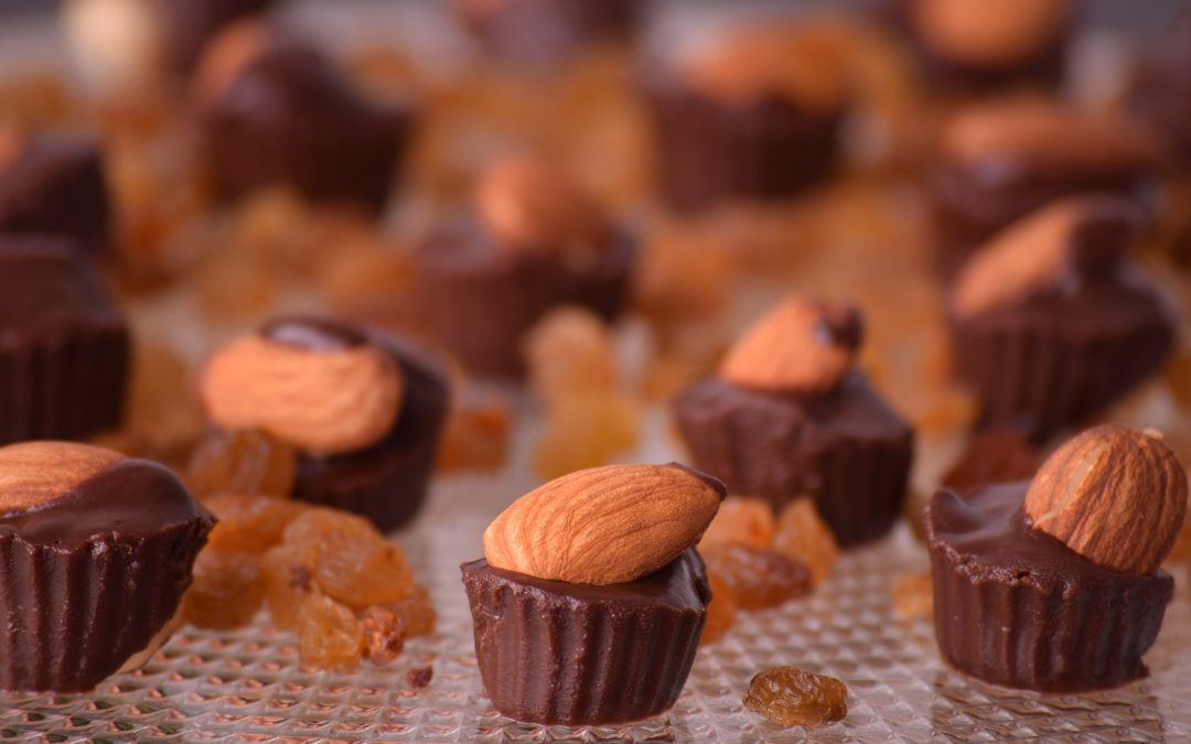 Sugarless Raw Chocolate-Almond Butter Cups